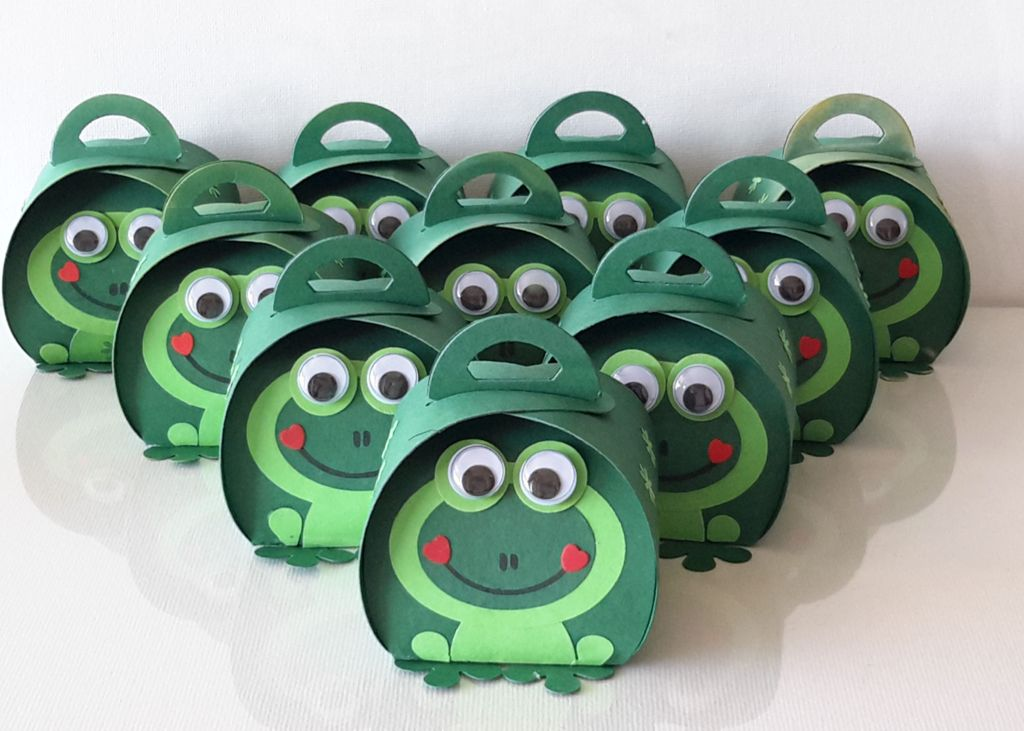 Curvy Keepsake Gift Box  Frosch 2