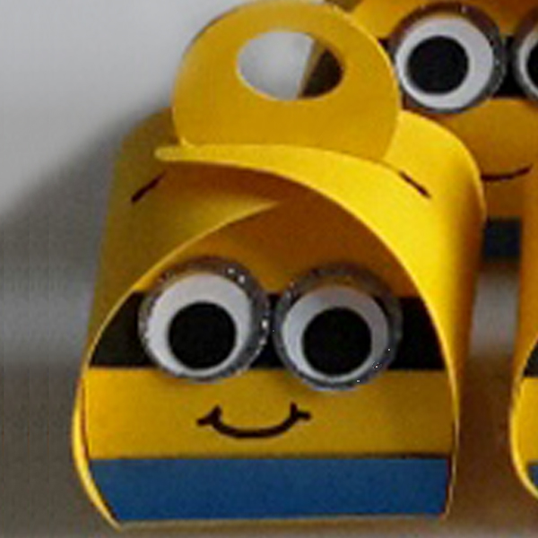 Curvy Keepsake Gift Box  Minion1