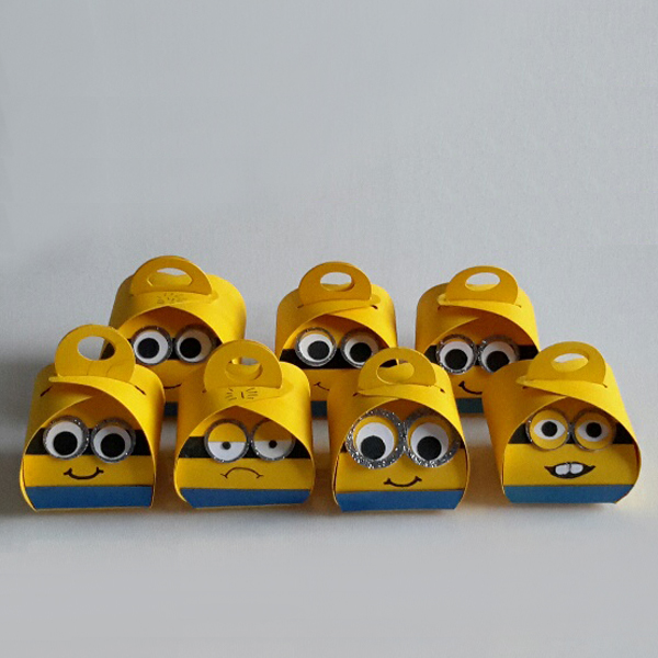 Curvy Keepsake Gift Box  Minion2