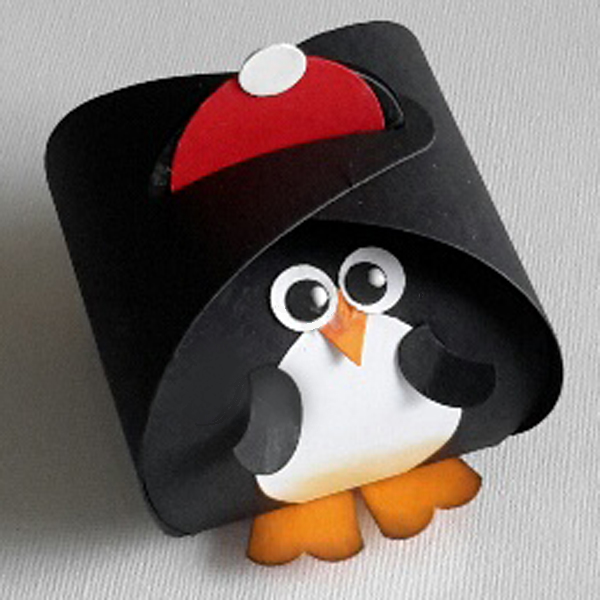 Curvy Keepsake Gift Box Pinguin1