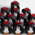 Curvy Keepsake Gift Box Pinguin2