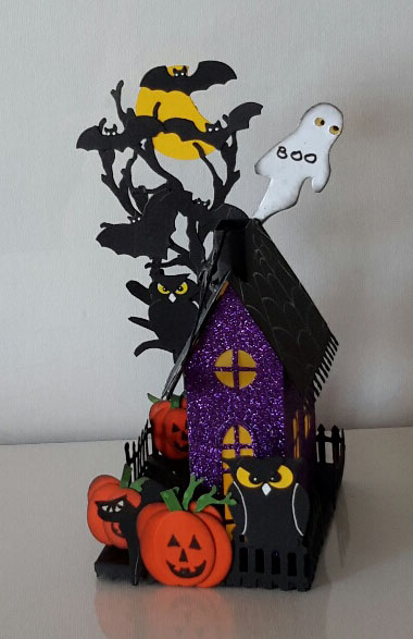 Punch Art Halloween und Sizzix Village 2