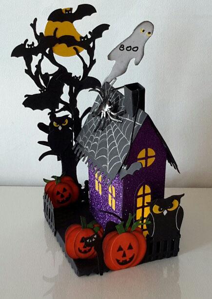 Punch Art Halloween-Sizzix Village (1)